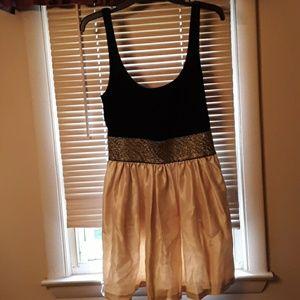 Bebe dress. L